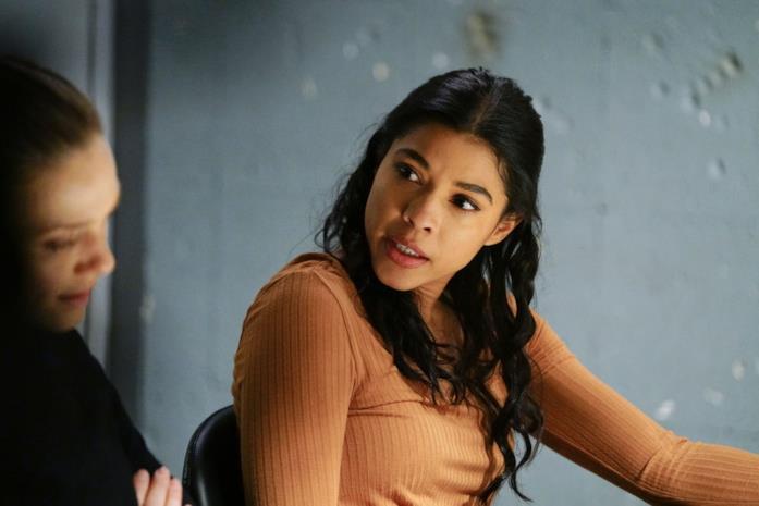 Vanessa Rojas durante un interrogatorio nella centrale di polizia