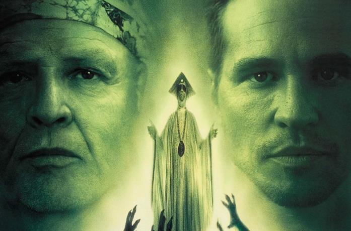 Il dottor Moreau e Edward Prendick in una misteriosa isola
