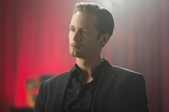 Alexander Skarsgård in una scena di True Blood