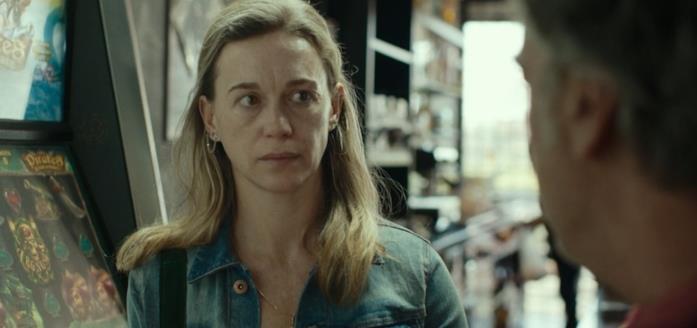 Milena Mancini nel finale del film La terra dell'abbastanza
