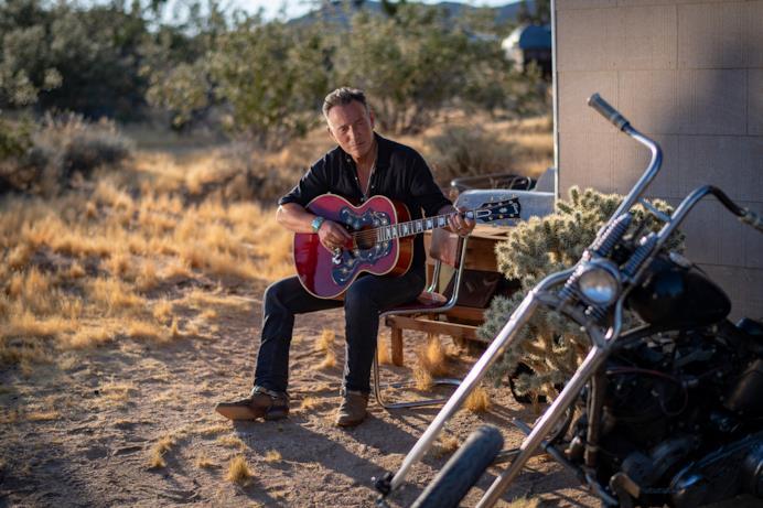 Un'immagine da Western Stars che mostra Springsteen