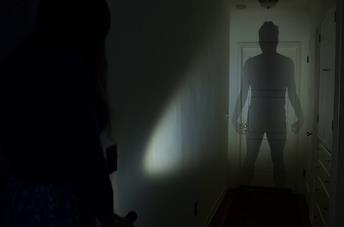 Guarda Shadowed, il nuovo corto horror dal regista dell'inquietante Lights Out