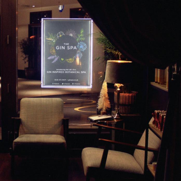 Primo piano dell'angolo relax per i clienti di The Gin Spa a Glasgow, Scozia