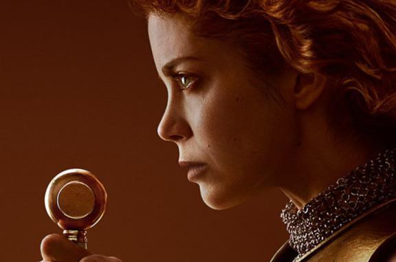 Charlotte Hope nei panni di Caterina D'Aragona