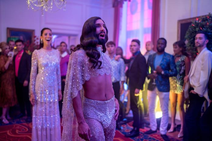 Conchita Wurst in una scena del film