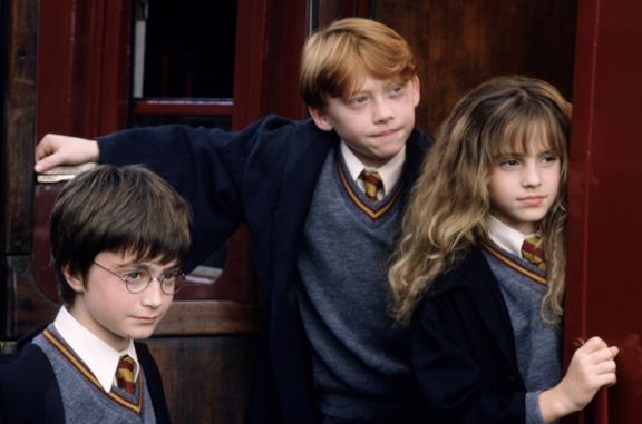 Harry, Ron e Hermione sul treno