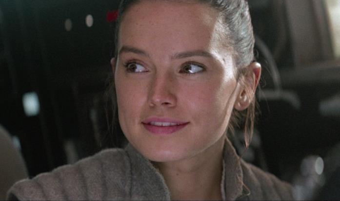 Daisy Ridley nei panni di Rey in Star Wars