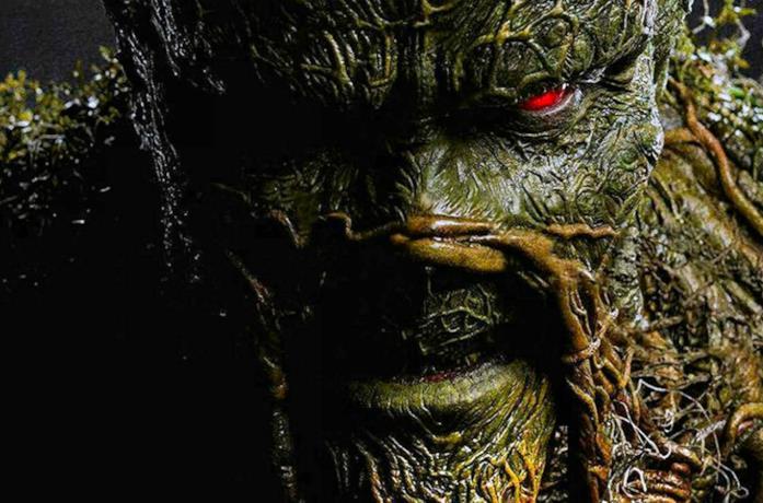 Un primo piano di Swamp Thing dalla serie DC