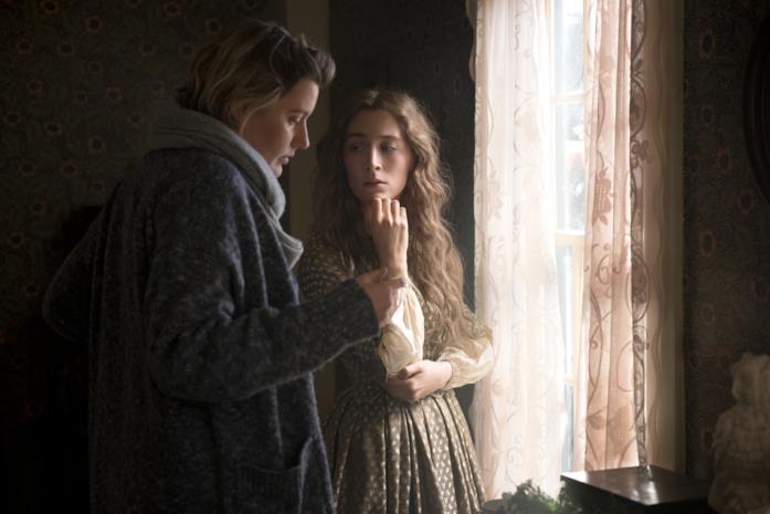 Greta Gerwig e Saoirse Ronan sul set