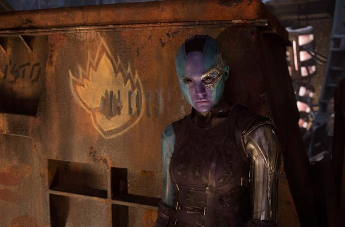 Un'irriconoscibile Karen Gillan nei panni di Nebula