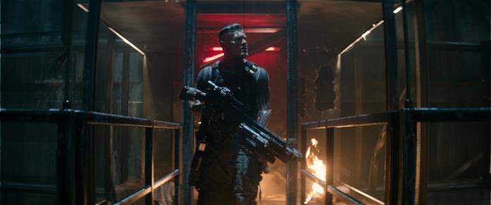Cable armato e pericoloso in una scena di Deadpool 2