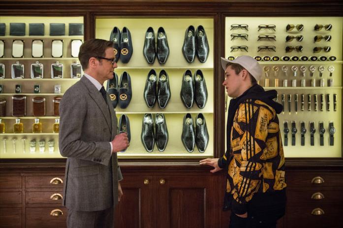 Colin Firth e Taron Egerton nel negozio di abiti