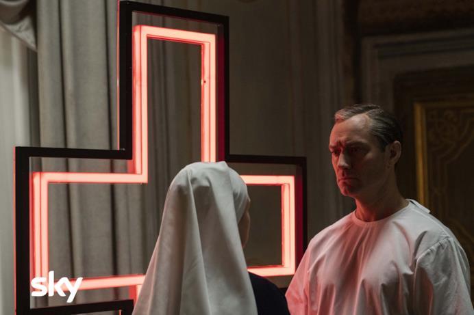 Jude Law come Lenny Belardo/Papa Pio XIII in The New Pope