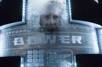 Ben Foster in una scena del film Pandorum - L'universo parallelo