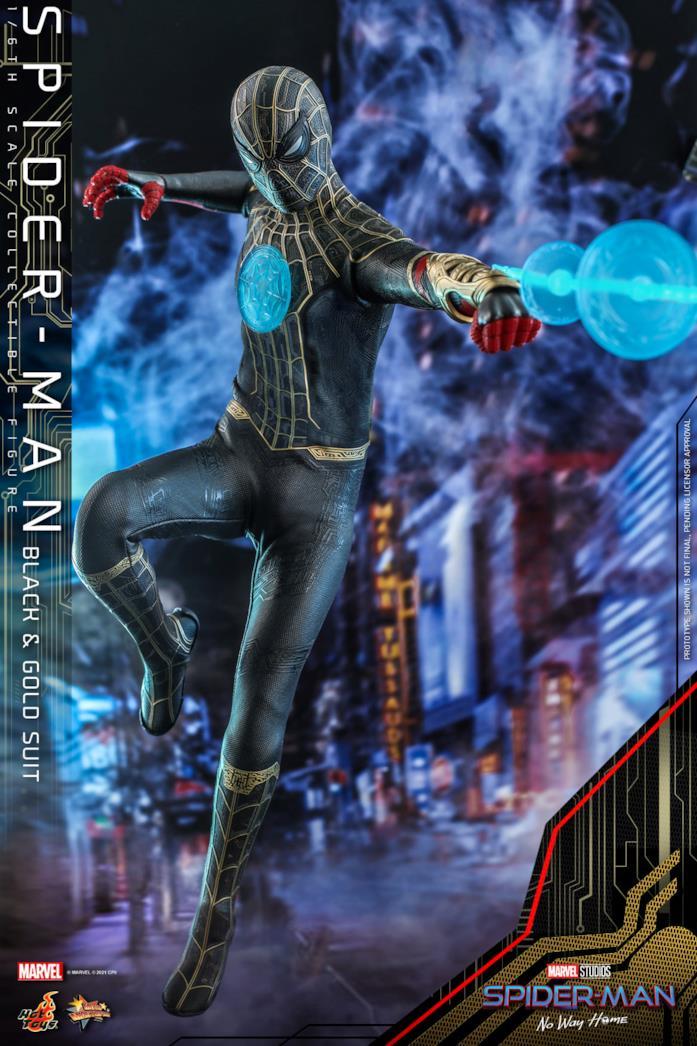 Spider-Man con la tuta nera e oro