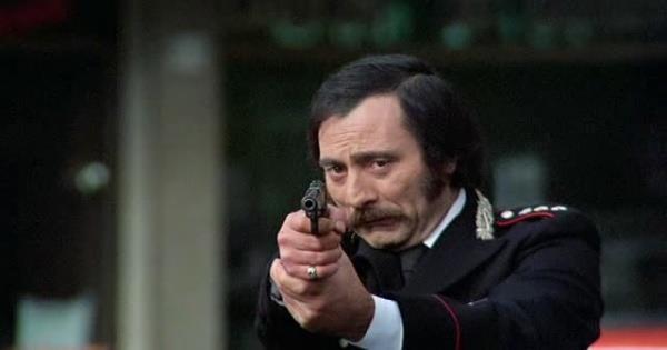 Lino Caruana è l'improbabile protagonista di Provincia violenta