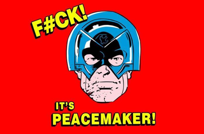 Il volto di Peacemaker sopra uno sfondo di colore rosso