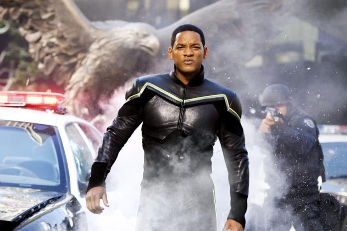 Will Smith è il supereroe John Hancock