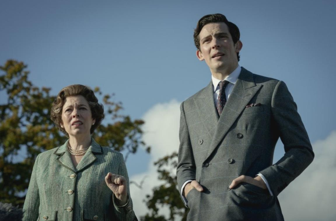 Olivia Colman e Josh O'Connor in The Crown 4