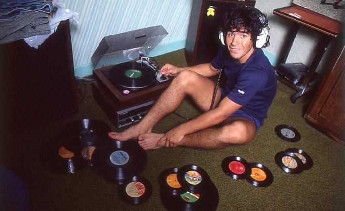 Diego Maradona in una scena del documentario di Asif Kapadia