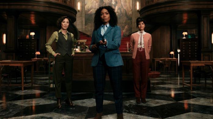 Angela Bassett, Michelle Yeoh e Carla Cugino in una scena di Gunpowder Milkshake