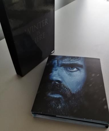 Artwork con l'occhio di Tyrion sul case del cofanetto di GoT 7