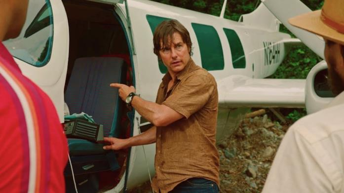 Tom cruise è Barry Seal in Barry Seal - Una storia americana
