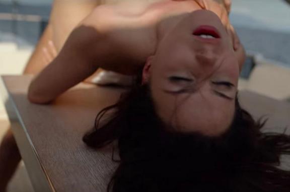 Anna Maria Sieklucka in una scena del film 365 giorni