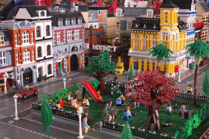 Un'immagine dei famosi mattoncini LEGO