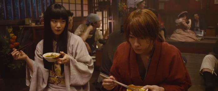 Emi Takei e Takeru Satō nel film Rurouni Kenshin
