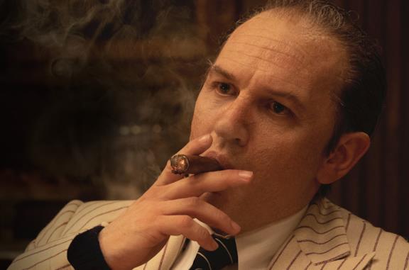 Tom Hardy è Capone nell'omonimo film di Josh Trank