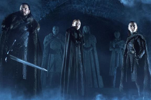 Kit Harington, Sophie Turner e Maisie Williams in un teaser di Game of Thrones 8