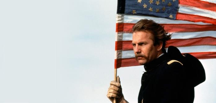 Kevin Costner è il tenente John Dunbar in Balla coi lupi