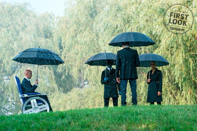 Il Professor X e i suoi allievi sotto la pioggia