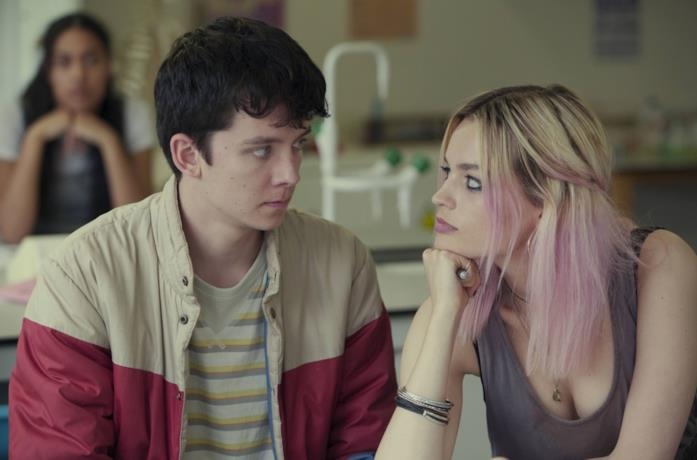 Asa Butterfield ed Emma Mackey in Sex Education