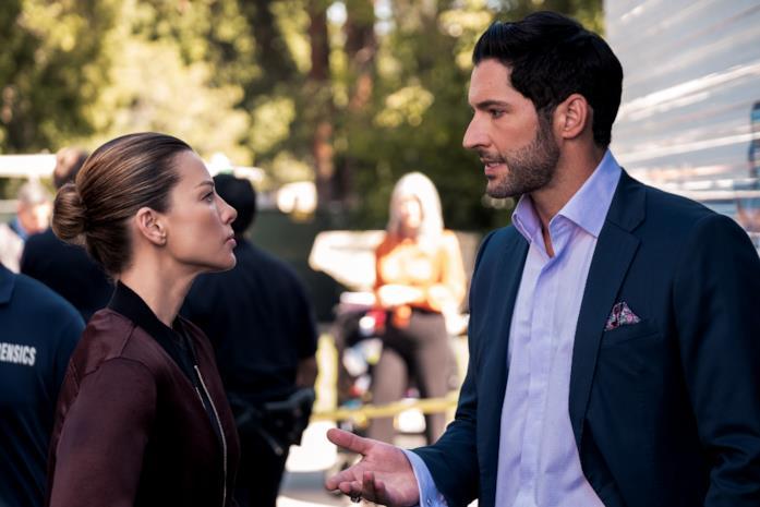 Chloe e Lucifer parlano