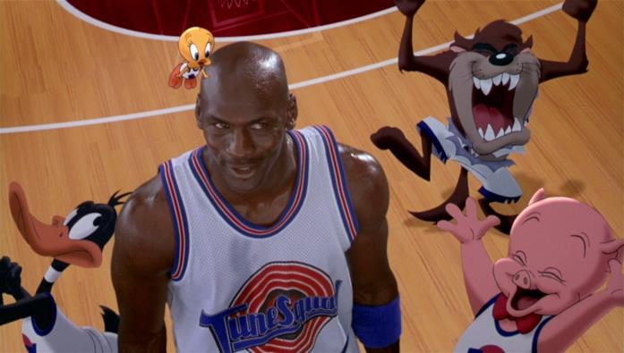 Michael Jordan in una scena di Space Jam