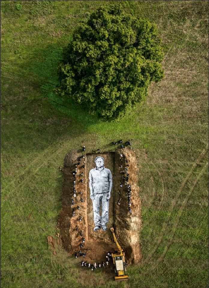 Un'opera scavata nel terreno in Omelia Contadina