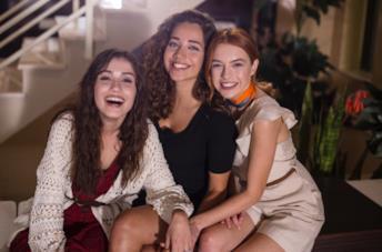 Le protagoniste di Come sorelle