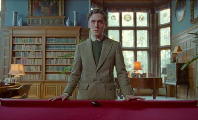 Il principe Carlo discute con Lady Diana in una scena di Spencer