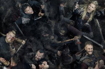Il cast di Vikings fotografato dall'alto in battaglia