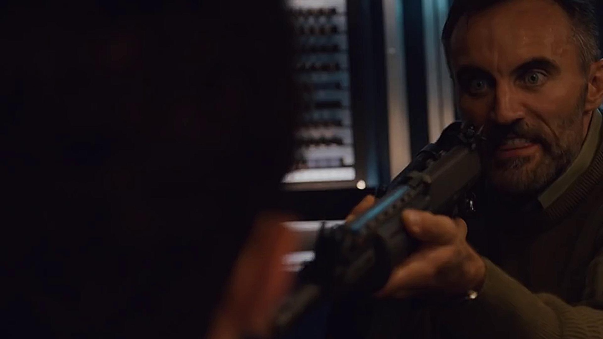 Il sole uccide nel teaser di Into The Dark, la serie Netflix scritta dal produttore di Narcos