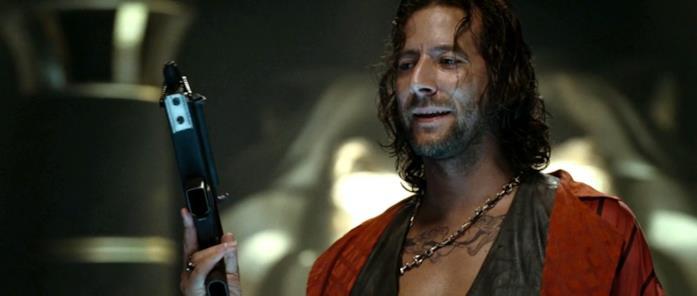 Henry Ian Cusick in Hitman – L'assassino