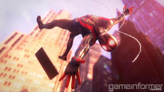 Miles Morales con il suo smartphone in Marvel's Spider-Man: Miles Morales