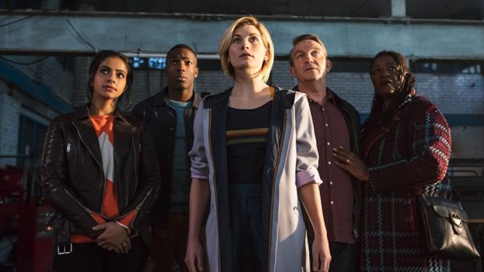Jodie Whittaker e il cast di Doctor Who 12