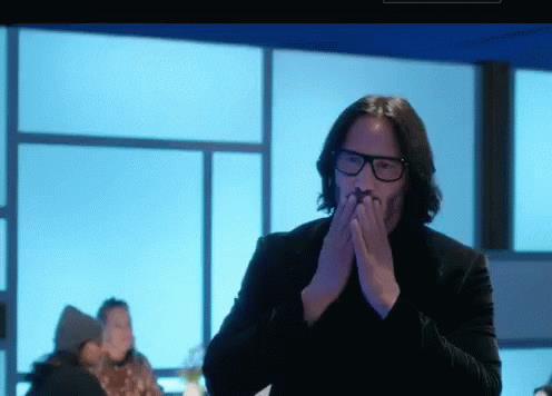 GIF con il bacio di Keanu Reeves