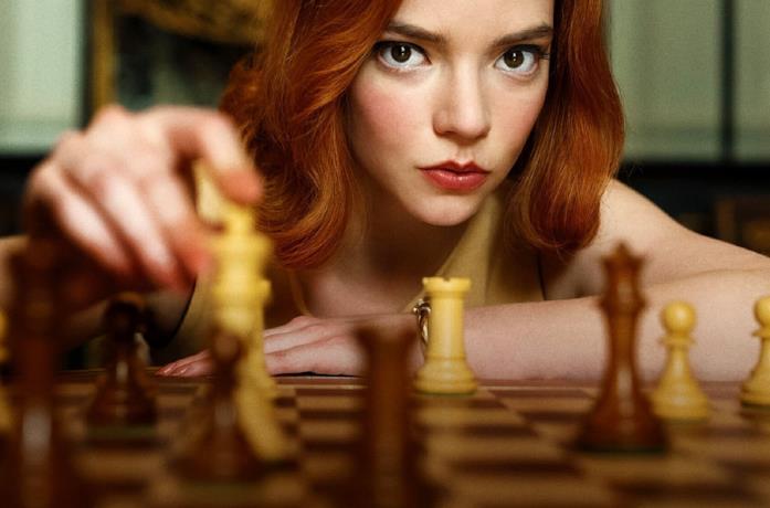 Anya Taylor-Joy è la protagonista de La regina degli scacchi