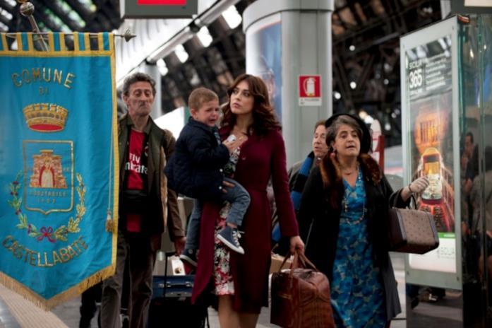 Nunzia Schiano, la mamma di Mattia, alla stazione Centrale