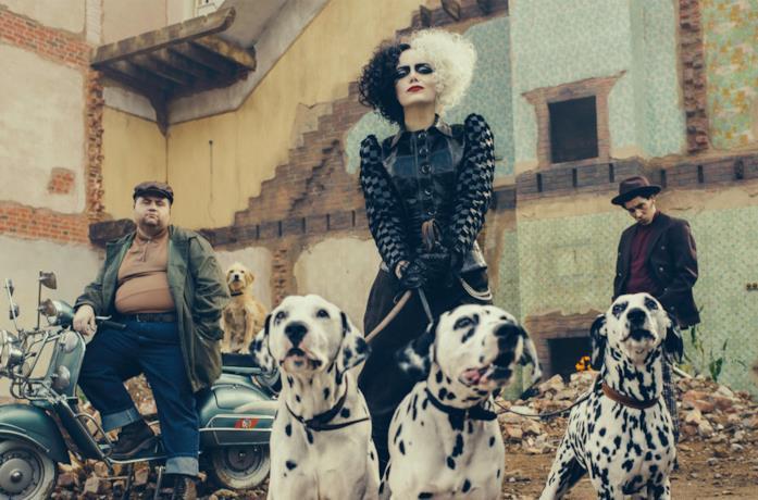 Emma Stone nelal prima immagine di Cruella