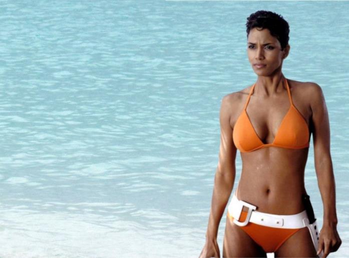 Halle Berry in Agente 007 - La morte può attendere